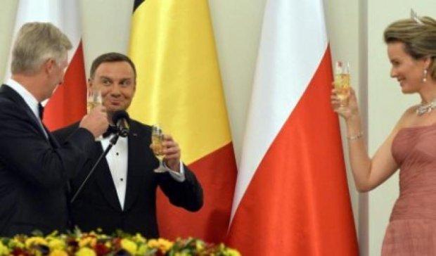 Президент Польши угощал короля Бельгии слишком дешевым вином