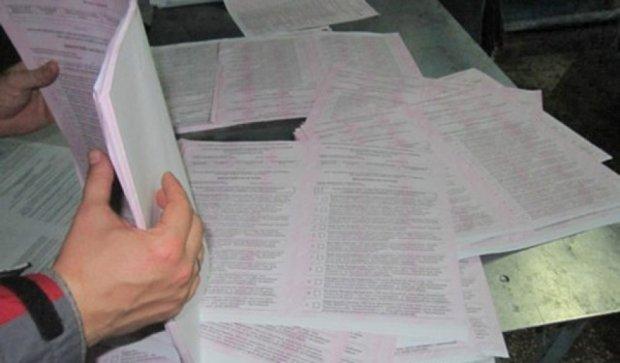 Майже дві тисячі зайвих бюлетенів виявили в Тернополі (фото)