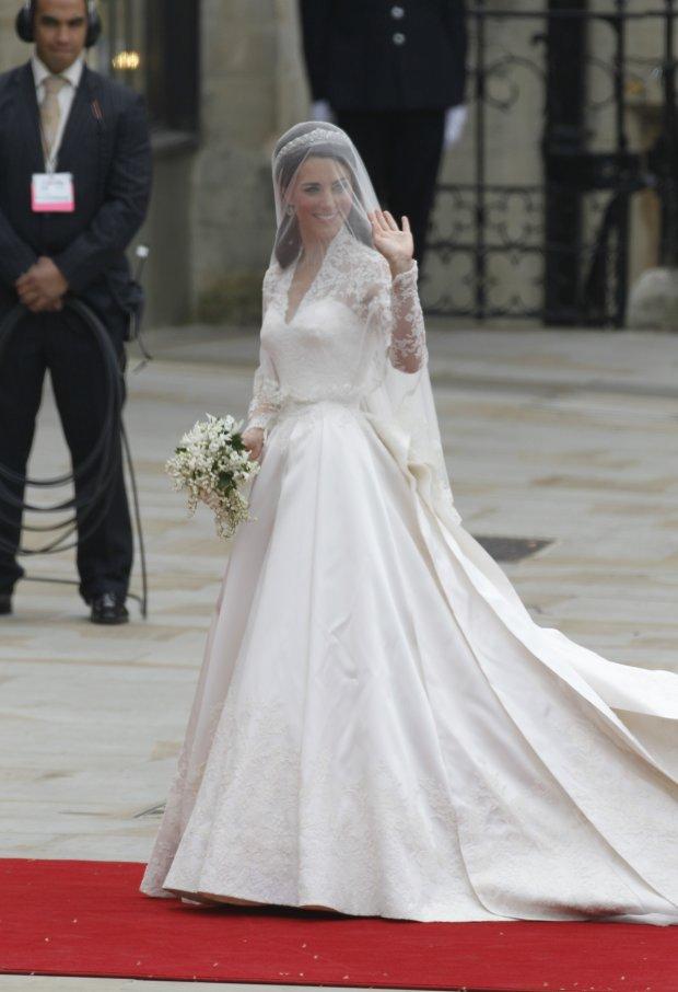 З'ясували, що Кейт Міддлтон ще на весіллі порушила короліський протокол