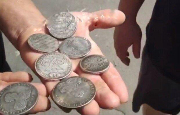 монети / скріншот з відео