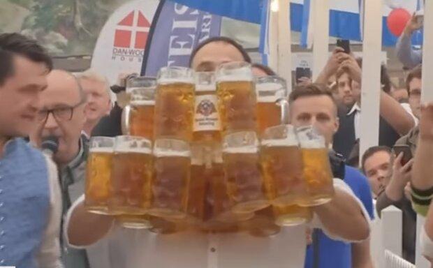 Фестиваль пива у Німеччині, скріншот: YouTube
