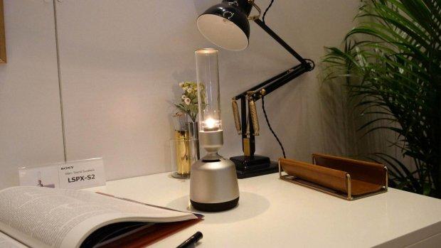 Sony представила колонку в форме керосиновой лампы