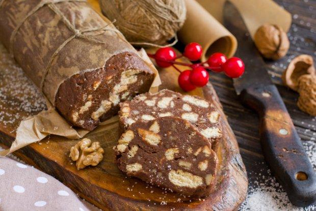 Шоколадна ковбаса зі згущеним молоком: смачний десерт всього за 10 хвилин