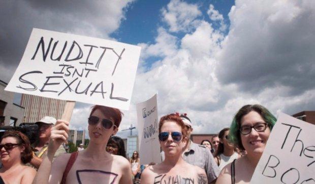 У Канаді пройшов марш за право жінок ходити топлес