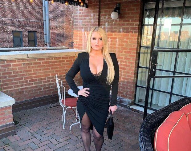 """Знаменита голлівудська акторка схудла майже на 50 кг: фото """"до"""" та """"після"""" вражають"""