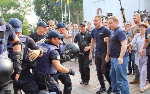 Сутички в Одесі: десятки жертв та кримінальна справа