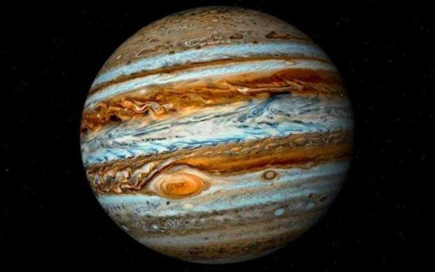 Дивовижну красу Юпітера показали на відео