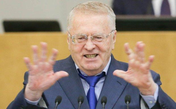 """""""Родители никогда вас не найдут"""", - озверевший Жириновский во время митинга бил людей по лицам"""