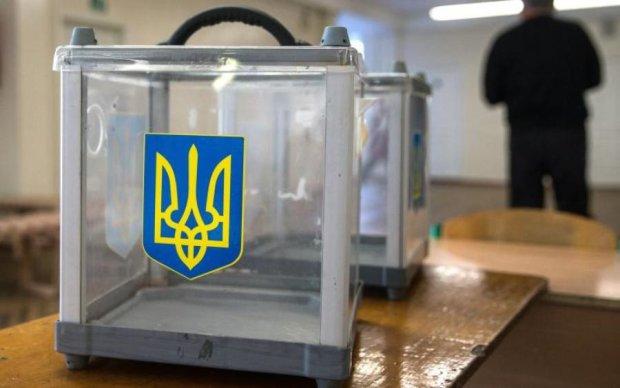 В президентском рейтинге лидируют Тимошенко, Гриценко. Ляшко и Бойко разделили 3 место -  социолог