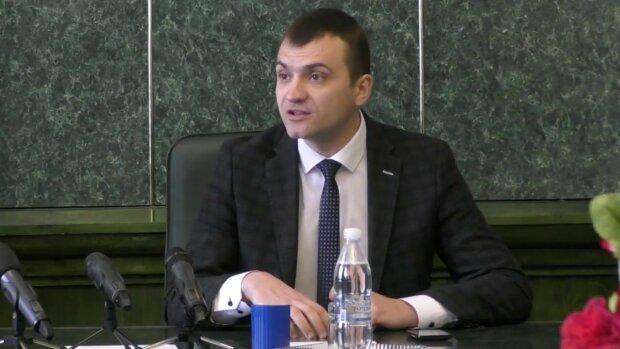 """Розлючений Семчишин пообіцяв журналістам солодке життя, догралися: """"Паплюжить репутацію"""""""