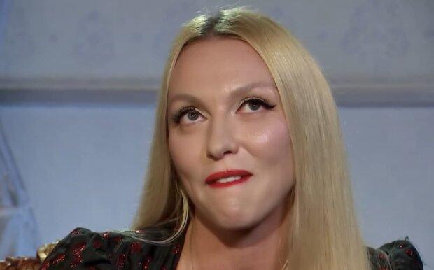 Оля Полякова, скриншот с видео
