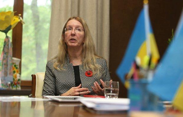 """Супрун взялася повчати Зеленського, як люструвати Януковича та Порошенка: """"Не чіпайте вишневі кісточки"""""""