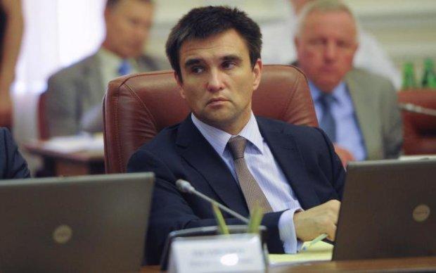 """Экскурсия на войну: """"десант"""" Климкина высадился на Донбассе"""