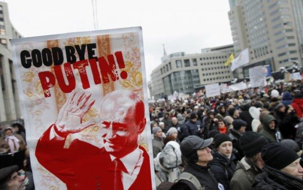 Золотые времена ЧК: крымчан задержали в кафе за беседу о протестах