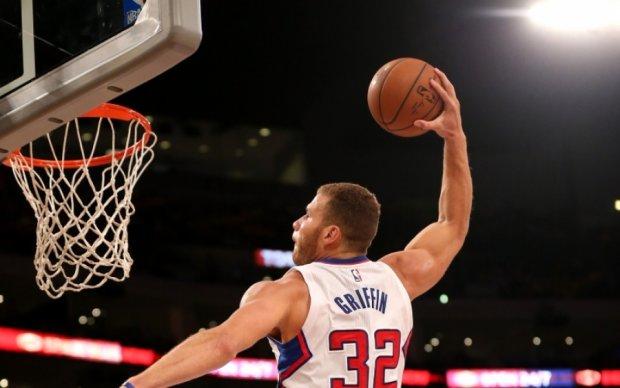 НБА: Данки Гриффина и Адетокумбо в лучших моментах игрового дня