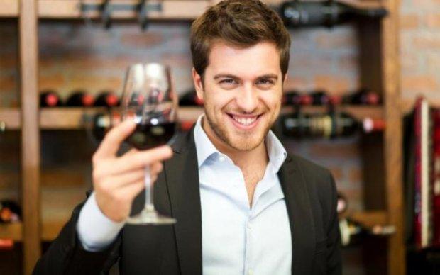 Мужчинам посоветовали пить вино, и вот почему
