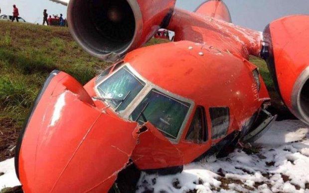 Катастрофа українського літака: з'явилися подробиці