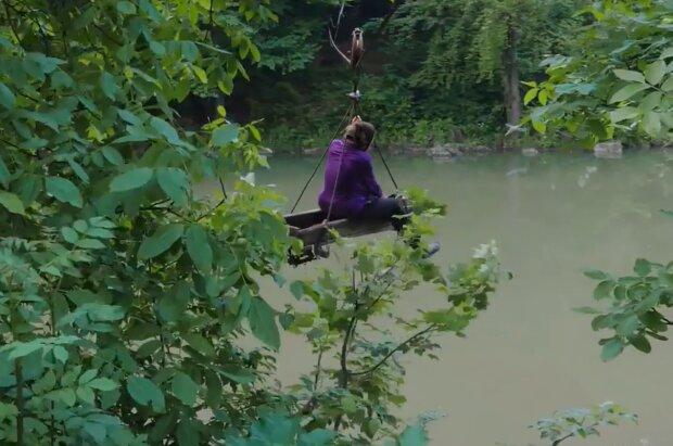 Канатна дорога на Закарпатті, кадр з відео