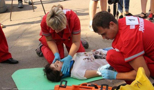 """Медики """"швидкої"""" провели змагання у Запоріжжі (фото)"""