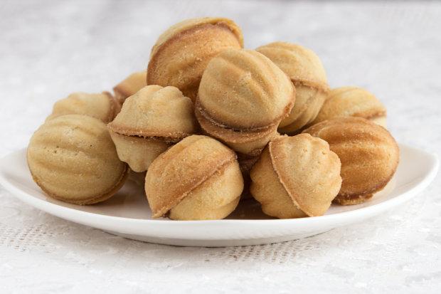 """Простий рецепт улюблених ласощів: печиво """"Горішки"""" зі згущеним молоком"""