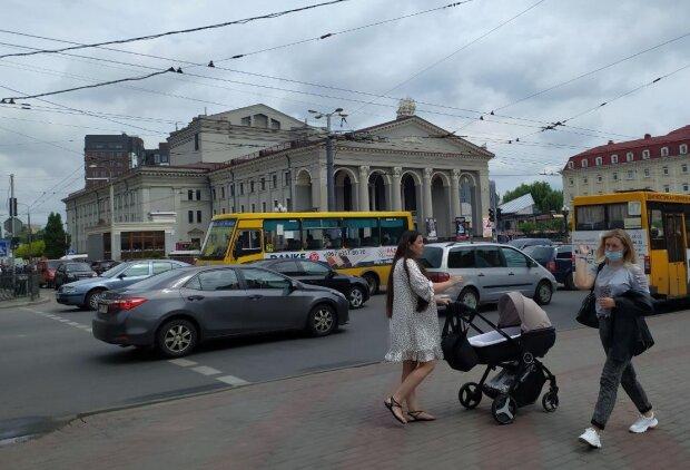 Городская улица, фото: Знай.ua
