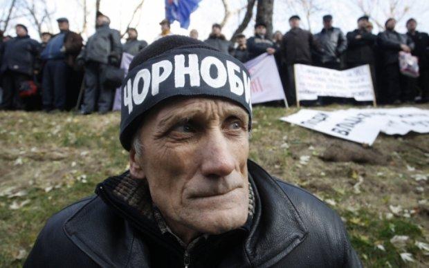 Чиновникам, унижающим ликвидаторов аварии на ЧАЭС, следует съездить на кладбище в Славутич, - Сергей Тарута