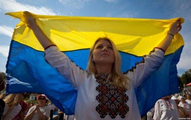 Український прапор над Донецьком: соцмережі у захваті