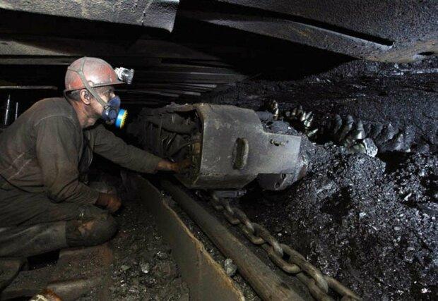 Зарплаты шахтеров, врачей и учителей: сколько денег выделили на погашение долгов украинцам