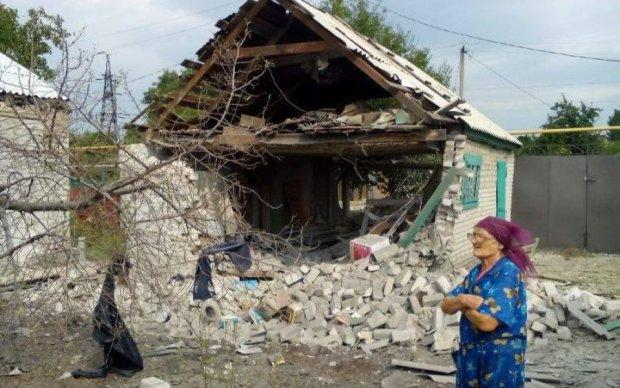 Боевики обстреляли остановку в Авдеевке: есть раненые