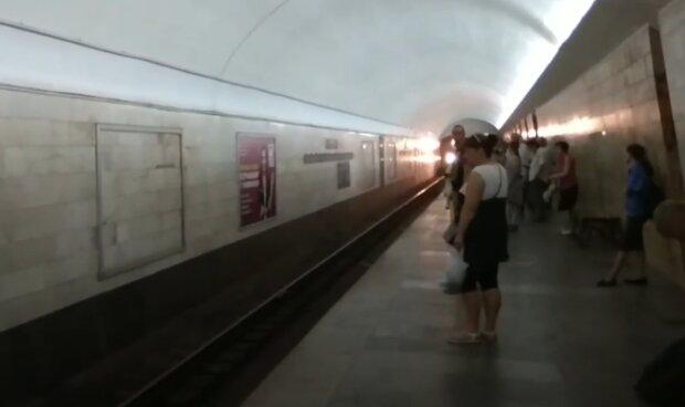 Машинист харьковского метро раскрыл правду об адской работенке - премии избранным и поезда-убийцы