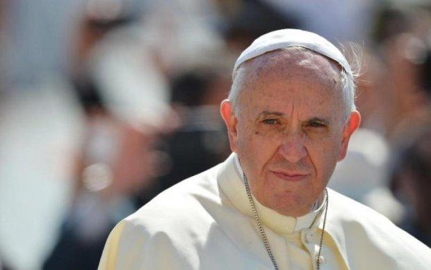 Захмарна сума: Ватикан врятує переселенців Донбасу