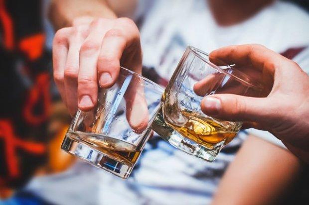"""Розставимо крапки над """"i"""": чи корисний алкоголь в малих дозах"""