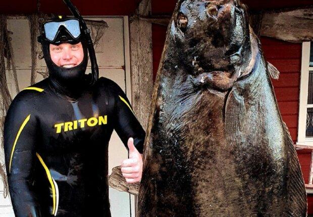 """Рибалки з Дніпра зловили річкову """"акулу"""": """"100 кілограм!"""""""