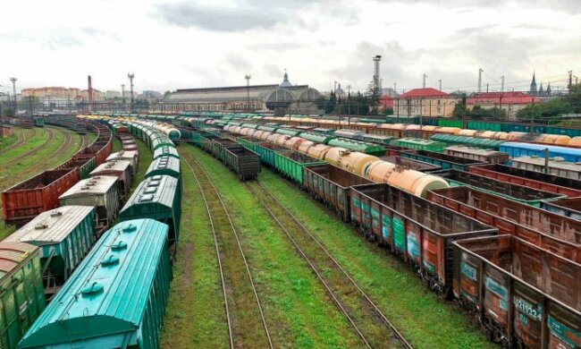 Промышленники Украины требуют от Кабмина не создавать искусственный дефицит вагонов