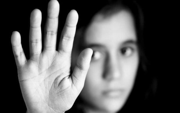 Довічне за вбивство ґвалтівника: імениті зірки заступилися за 16-річну