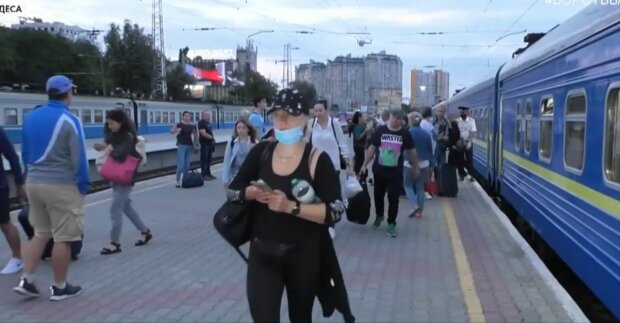 Укрзализныця пустит поезда с охраной, ни один псих не проскочит
