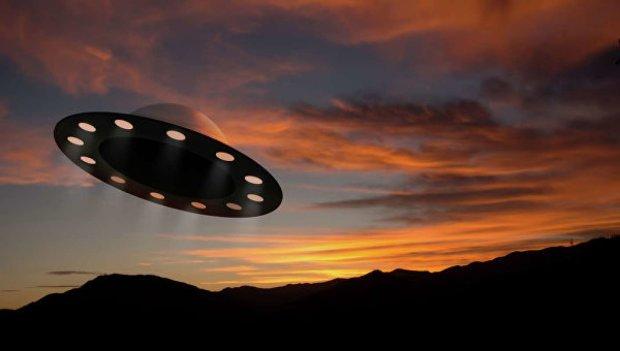 Прибульці вже близько: в небі над Чехією помітили загадковий літаючий об'єкт