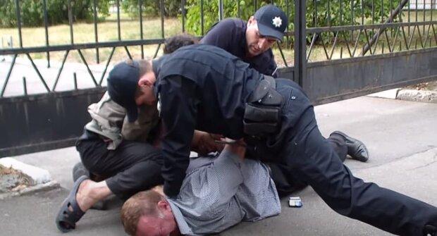 В Польше заробитчанин скончался после задержания полицейскими