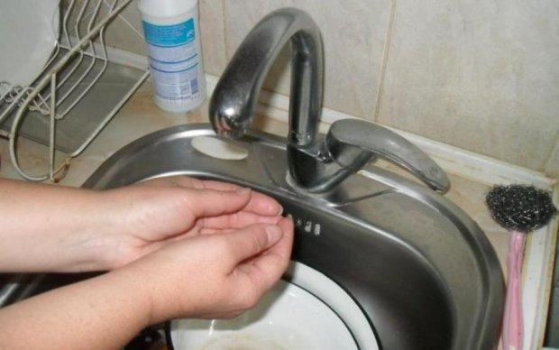 Киевлян в День знаний оставят без воды: полный список адресов