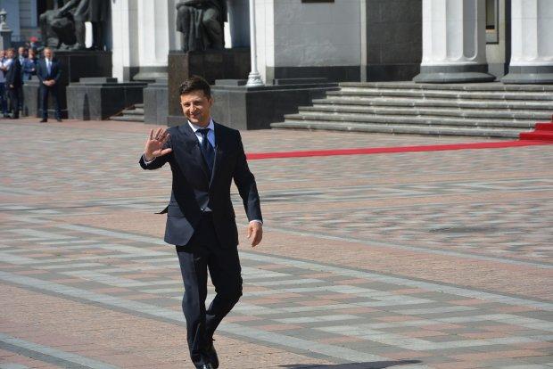 Зеленський - президент: Кличко на велосипеді, соратник Порошенка в лікарні, а зірки гуляють