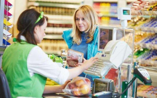 Всегда требуйте чек: как обманывают украинцев в магазинах