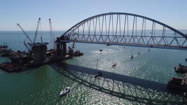 """Росіяни знайшли найкраще """"застосування"""" Керченському мосту: ось де ваші грошики"""