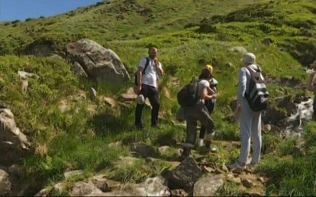 Туристы / скриншот из видео