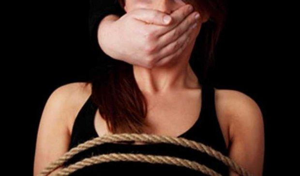 Нахабні злочинці вкрали київських дівчат разом з авто