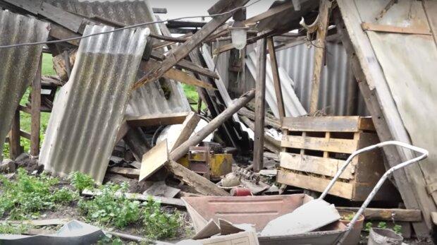 Смерчі на Тернопільщині знесли село – шифер і дошки крутилися в небі