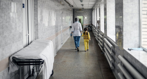 Фото з дитячої лікарні розлютили українців: у таких умовах навіть худобу не тримають