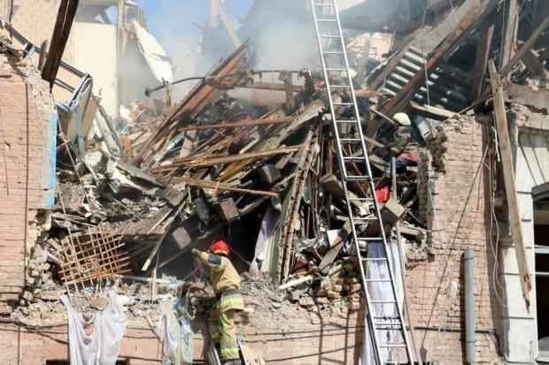 В России перед Новым годом взрыв похоронил детей под обломками собственного дома