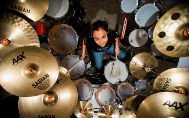 Наймолодший український барабанщик підкорив публіку з першого звуку: відео