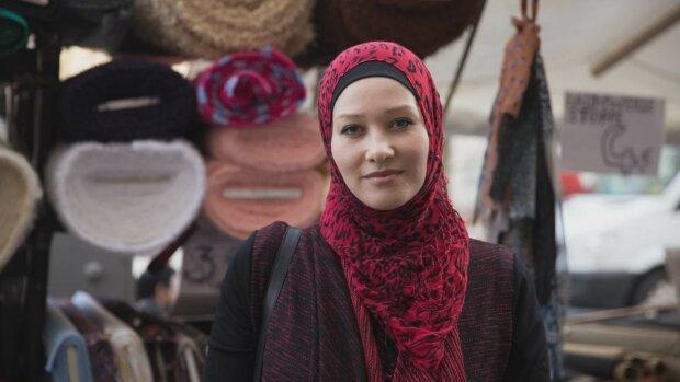 Фото на паспорт в хиджабе: как мусульманкам Украины удалось отвоевать свое религиозное право