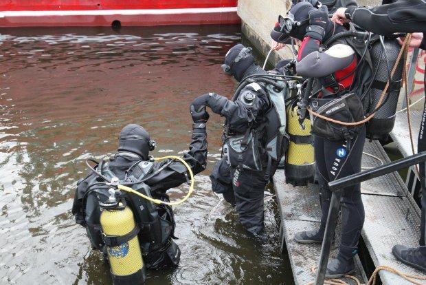 У київській водоймі виявили страшну знахідку: на глибині 3 метрів